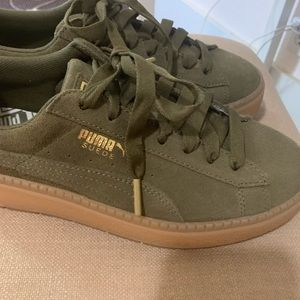 82a1aee273a Puma suede Creepers: olive green